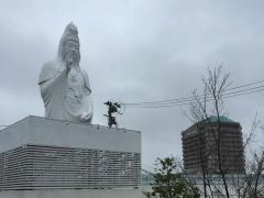 【デカイことは良いこと】「 仙台大観音 」は隣のホテルよりも高い観音像だった